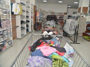 Belediyeden 508 kişiye kıyafet yardımı