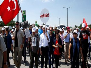 Kılıçdaroğlu'na Istanbul'a Girişinde Mehterli Karşılama