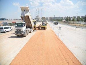 Kamışlo Bulvarı'na asfalt seriliyor