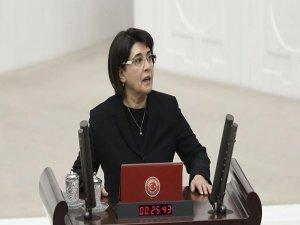 HDP'li Leyla Zana ilk duruşmada beraat etti