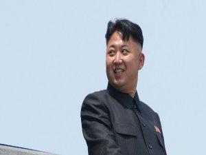 Kuzey Kore lideri Kim, yeni füzeleri için yazılan şarkıyı dinledi