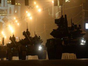 Rusya, Irak'a çok sayıda T-90 tankı sevk edecek