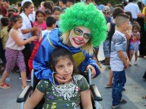 """Diyarbakırlı çocuklar """"Oyun Karavanı Projesi"""" ile buluştu"""