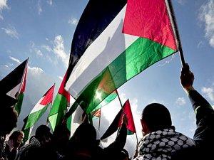 İsrail iki Filistinli milletvekilini gözaltına aldı