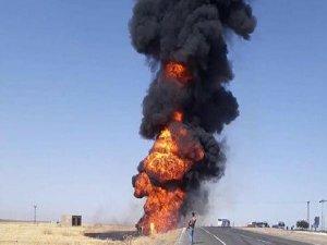 Tanker ile yolcu otobüsü çarpıştı: 1 ölü, 2 yaralı