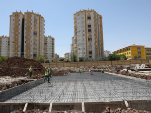 Kent Meydanı inşa ediliyor
