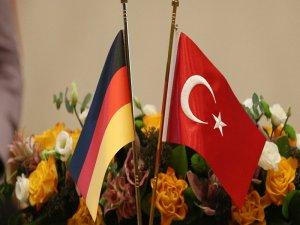 """""""Türkiye 'teröre destek veren' Alman şirketler listesini resmen geri çekti"""""""