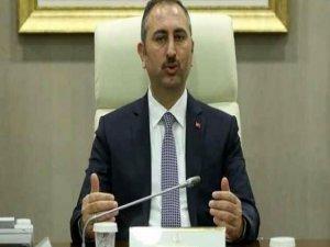 Adalet Bakanı Gül'den 'tek tip' uyarısı