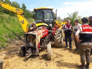 55 yaşındaki çiftçi traktöründe öldürüldü