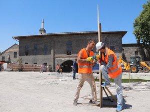 Ulu Camii önü restore ediliyor