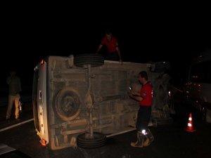 Yolcu minibüsü devrildi; 18 yaralı