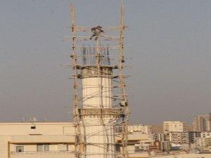 Minarede tehlikeli çalışma