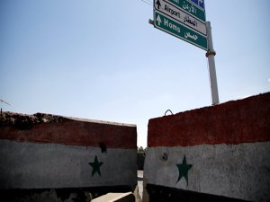 'Suriye ordusu, IŞİD'in Humus'taki en büyük kalesini ele geçirdi'