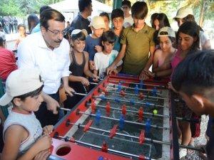 Atilla, Çocuk Yaz Kampı'nda çocuklarla buluştu