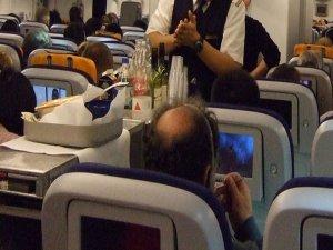 Birleşik Krallık'ta uçakta alkole sınırlama