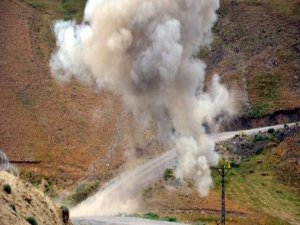 Hakkari'de patlama: 2 ölü