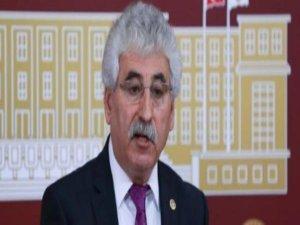 """""""OHAL bahanesiyle CHP'li belediyelerin çalışmaları engelleniyor"""""""