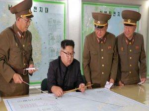 Kuzey Kore Guam Adasına füze fırlatmayı erteledi