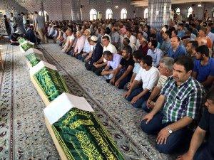 7 fındık işçisine toplu cenaze namazı