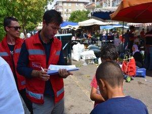 Sokakta çalışan çocuklar için mobil ekipler görevde