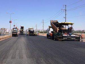 Kent merkezindeki yollara 230 bin ton sıcak asfalt serildi