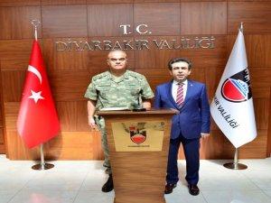 Paşa'dan Vali Güzeloğlu'na ziyaret