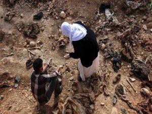 500 cesedin gömülü olduğu iki toplu mezar bulundu