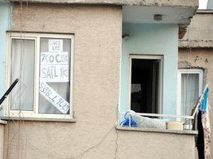 Komşusuna kızdı, evini '7 çocuklu' aileye satılığa çıkardı