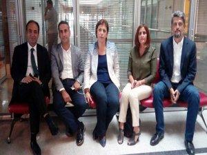 HDP, AYM binasında 'Vicdan ve Adalet Nöbeti'ne başladı