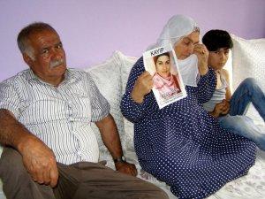 7 yıldır kayıp kızının acısına dayanamadı