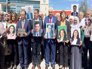 HDP her hafta AYM önünde