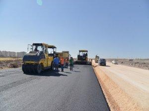 Yolların asfaltı devam ediyor