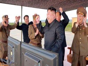 Dünya endişeliymiş, 'Kim'in umurunda!