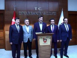AK Partili Yılmaz, Vali Güzeloğlu'nu ziyaret etti