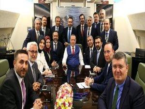 Erdoğan: Makama gelirken iyi, 'boşalt' demek neden yadırganıyor?