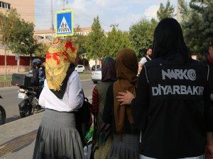 Diyarbakır'da okul çevresinde narkotik uygulaması