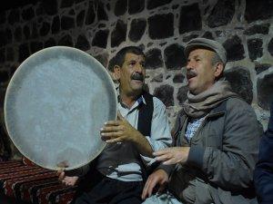 """""""Dengbej Evi""""nden yükselen nağmeler"""