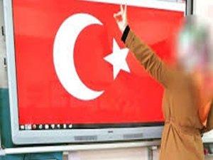 """""""Bozkurt"""" işareti yapan öğretmenin görevden alındığı iddiası"""