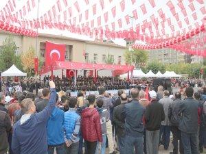 Diyarbakır'da Cumhuriyet Bayramı Coşkusu