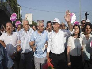 Ahmet Türk'ten CHP'ye çağrı!