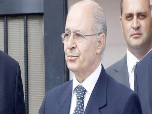 Sezer, Ecevit'e neden anayasa kitapçığı fırlattığını açıkladı