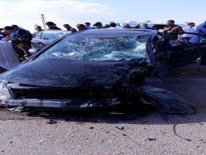 Öğrenci servisi ile otomobil çarpıştı: 10'u öğrenci 15 yaralı