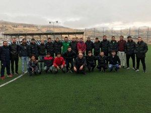Kulp Belediyesinden Pasurspor'a malzeme desteği