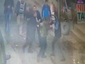 Silahlı kavga güvenlik kamerasına yansıdı