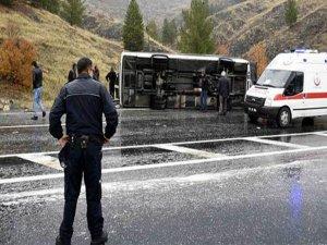 Diyarbakır'da otobüs devrildi çok sayı'da ölü ve yaralı var
