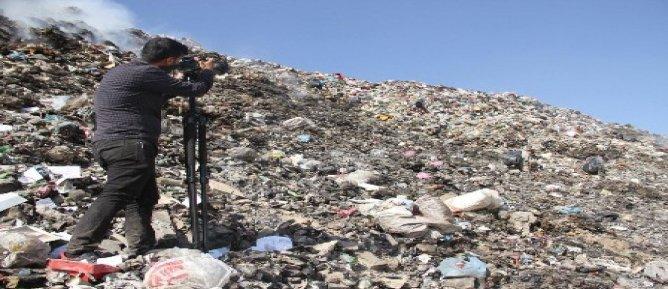 Ödüllü yönetmen, çöplüklerde çalışan çocukların belgeselini çekti