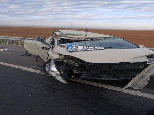 Otomobil devrildi:6 asker yaralı