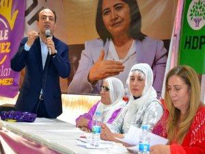 HDP'li Baydemir: 10 bin kişi cezaevinde