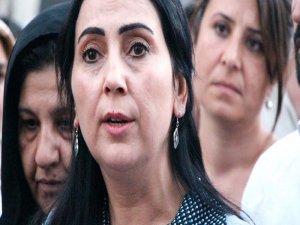 AK Partili vekiller, yanlışlıkla Yüksekdağ'ın duruşmasına girdi