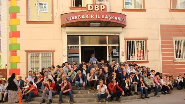 HDP'li Pir'e, 'kamu düzenini bozmadan merdivende oturma' fezlekesi